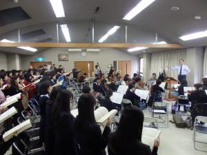 今年初のオーケストラと合唱の練習